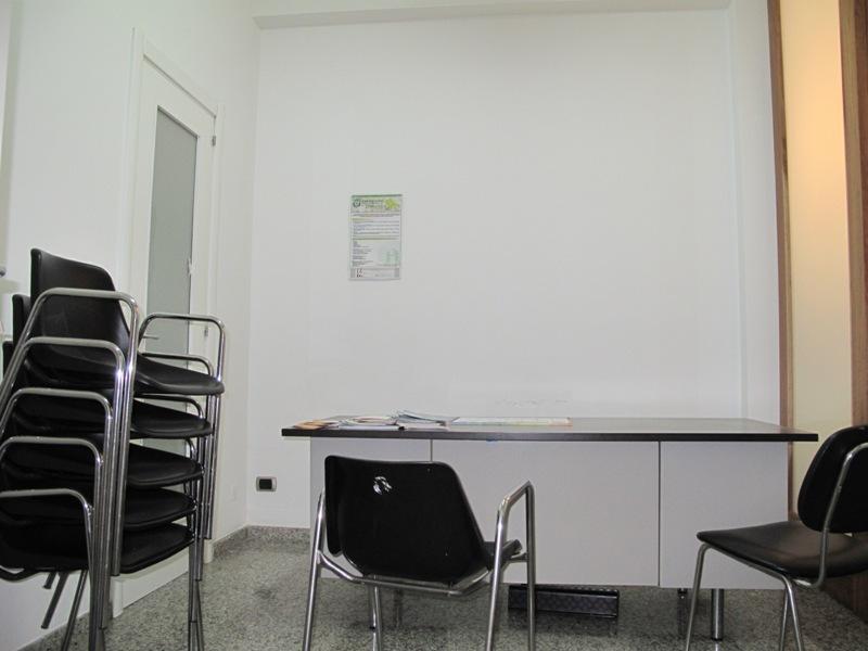 locazione uso ufficio a laterza in via duca d 39 aosta On locazione uso ufficio