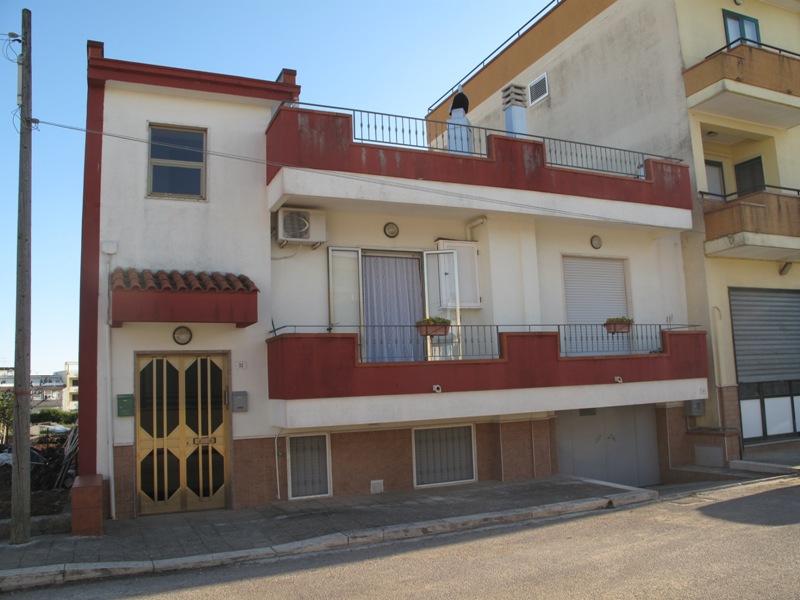 Mediterranea immobiliare per vendere o acquistare la tua for 1 piano di appartamento di garage per auto